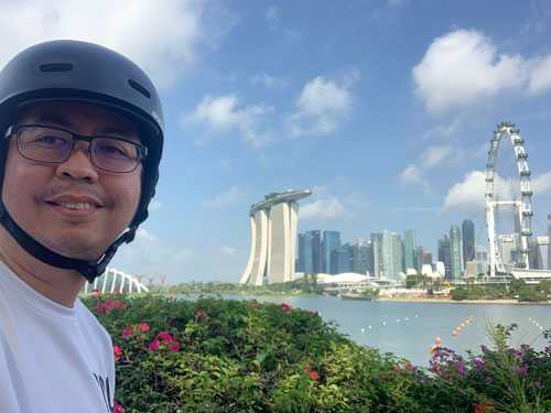 Pinoy living in Singapore